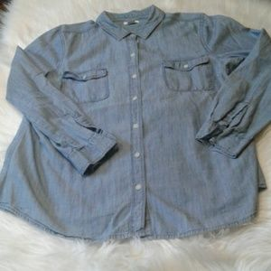 Woman's old navy shirt L. Casual $ 15.00 # 770